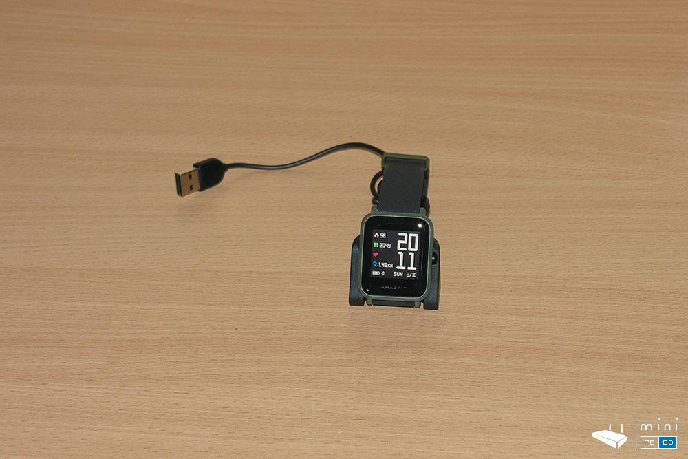 Amazfit Bip unboxing - charger